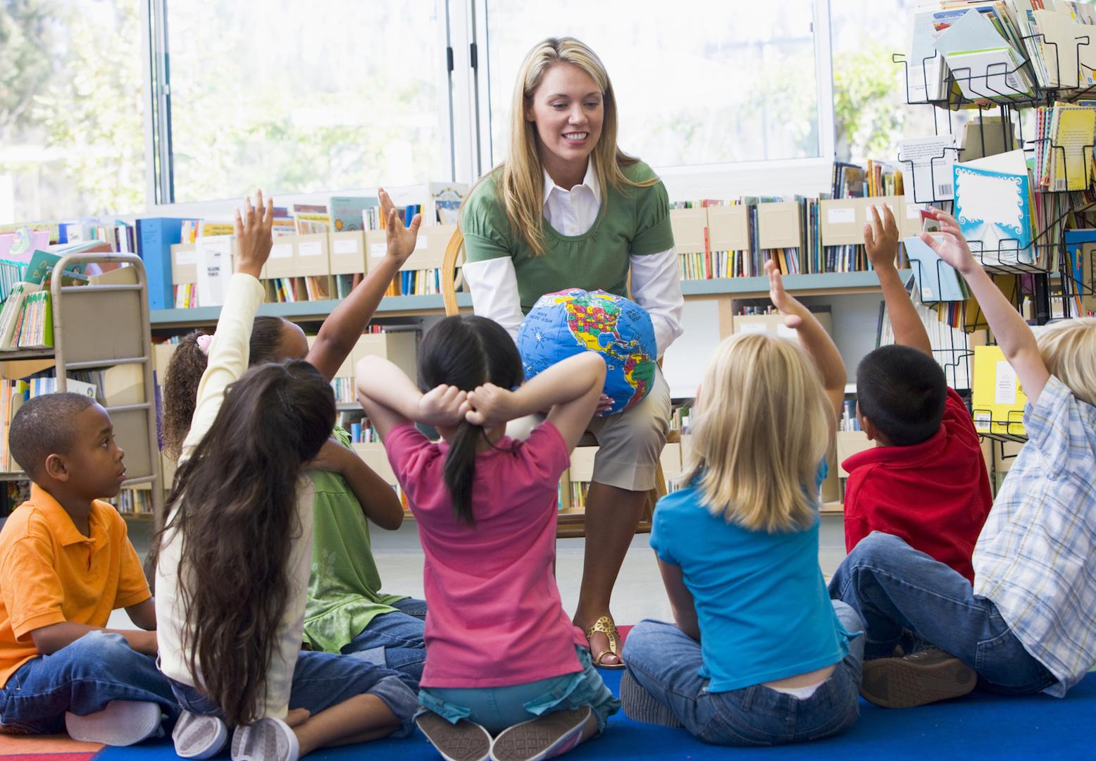 in Kindergärten, Schulräumen, Ausbildungsstätten – überall dort, wo die Gesundheit unserer Kinder und Jugendlichen geschützt werden sollen vor Viren, Keimen und Luftschadstoffen aller Art. Dort wo es um unseren Nachwuchs geht. Die Eltern werden es honorieren.